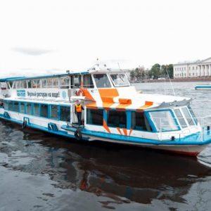 внешний вид теплохода Москва 194