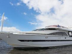 ВИП яхта Elegance 65 днем. Вид 1