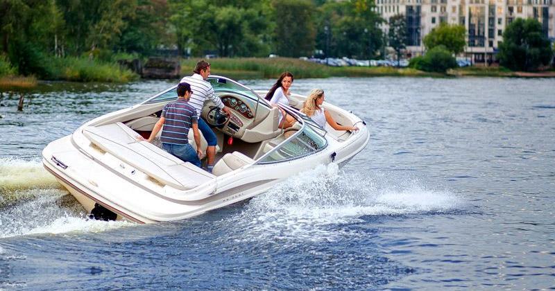 Индивидуальные экскурсии на катере по Санкт-Петербургу от нашей компании