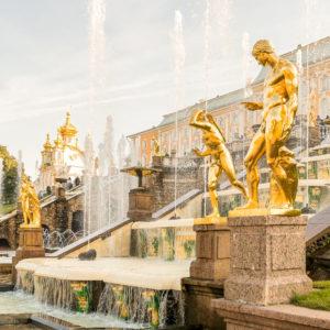 Из Петербурга в Петергоф - экскурсия на катере