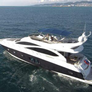 Яхта Sunseeker 70